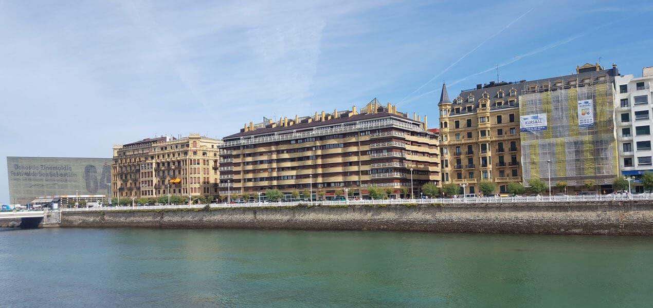 Rehabilitación energética de fachada en edificio histórico de Donostia-San Sebastián