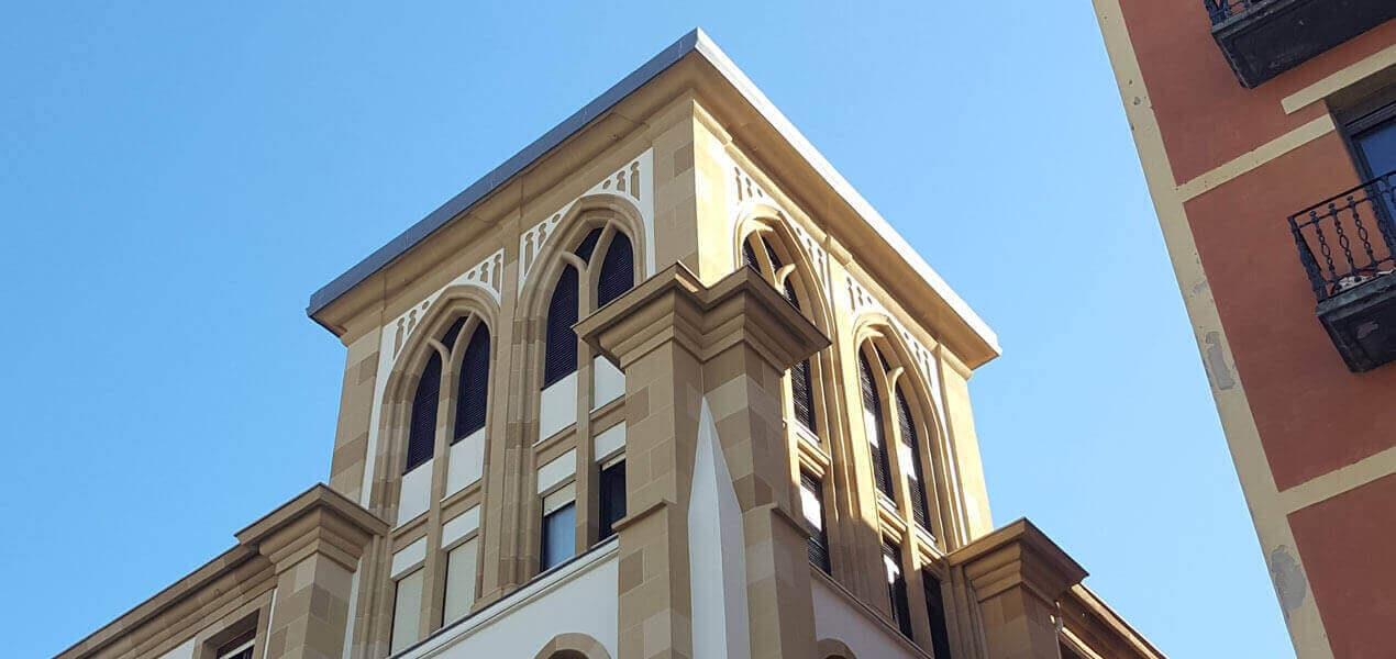Restauración de fachada, torreón y patio interior del Convento-Iglesia de los Franciscanos de Donostia (Gipuzkoa)