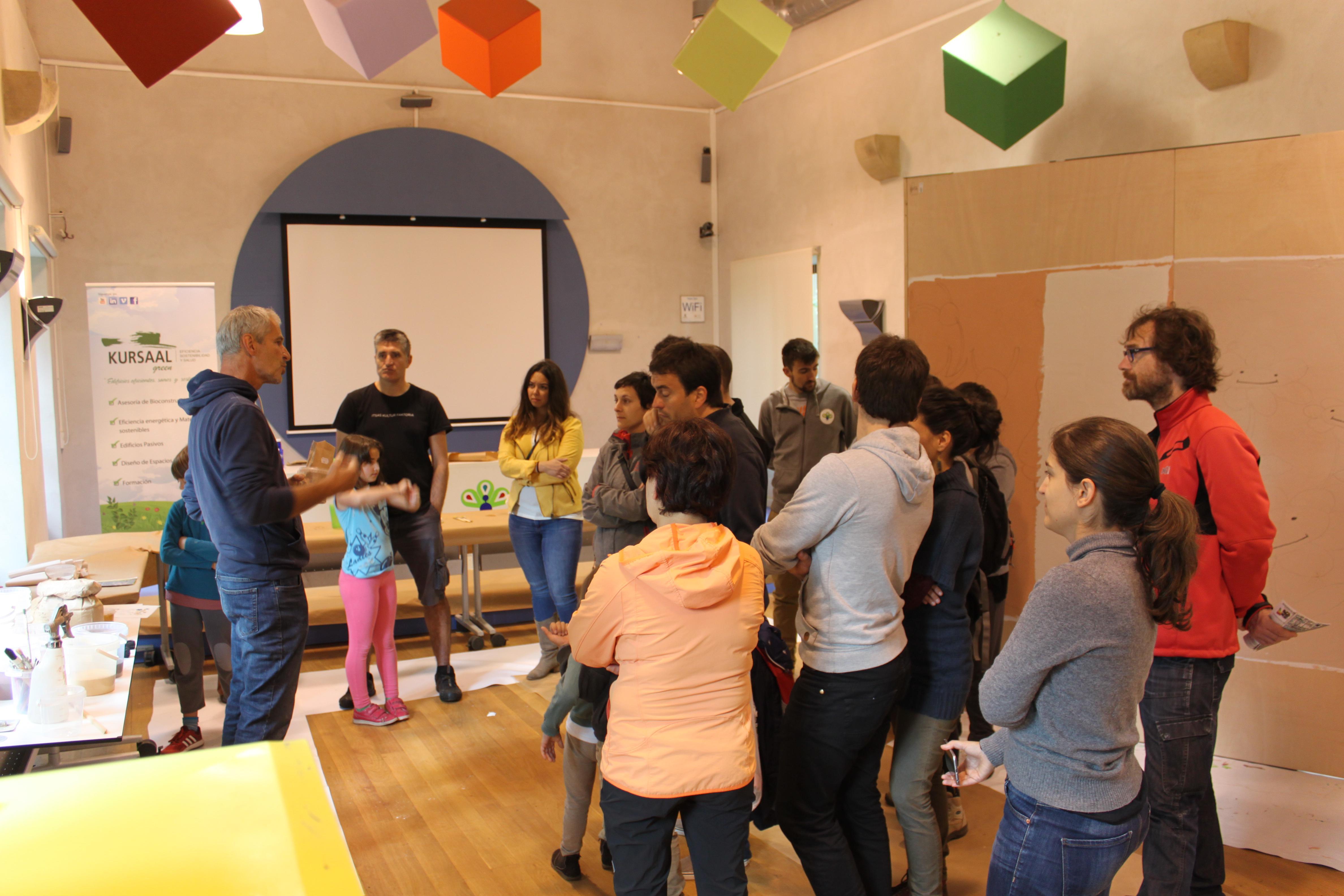 foto noticia: Los talleres cierran la 2ª Semana de la Bioconstrucción organizada por Kursaal Green, IEB, Cristina Enea y Kutxa Ekogunea