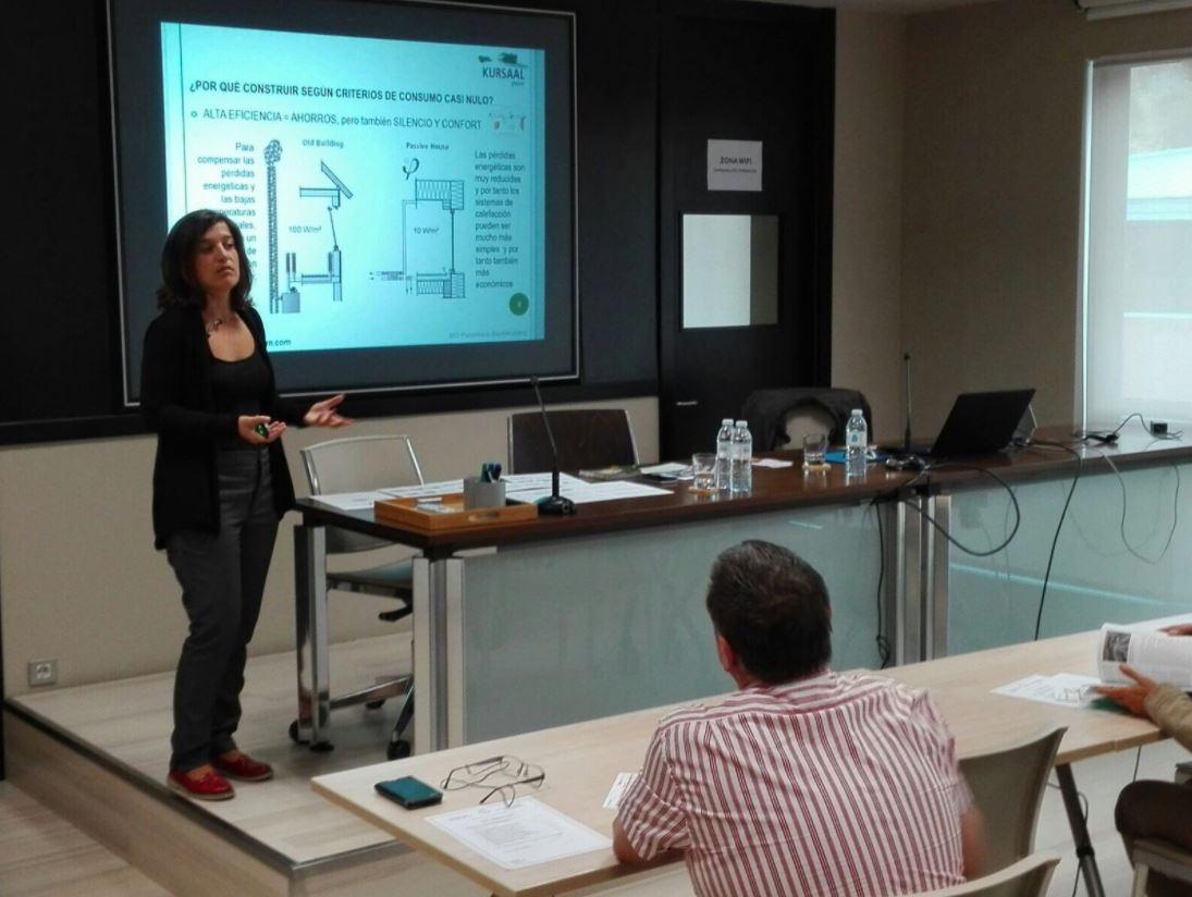 foto noticia: Impartimos una charla sobre el Estándar Passivhaus en Rehabilitación en el Colegio Oficial de Aparejadores de Bizkaia