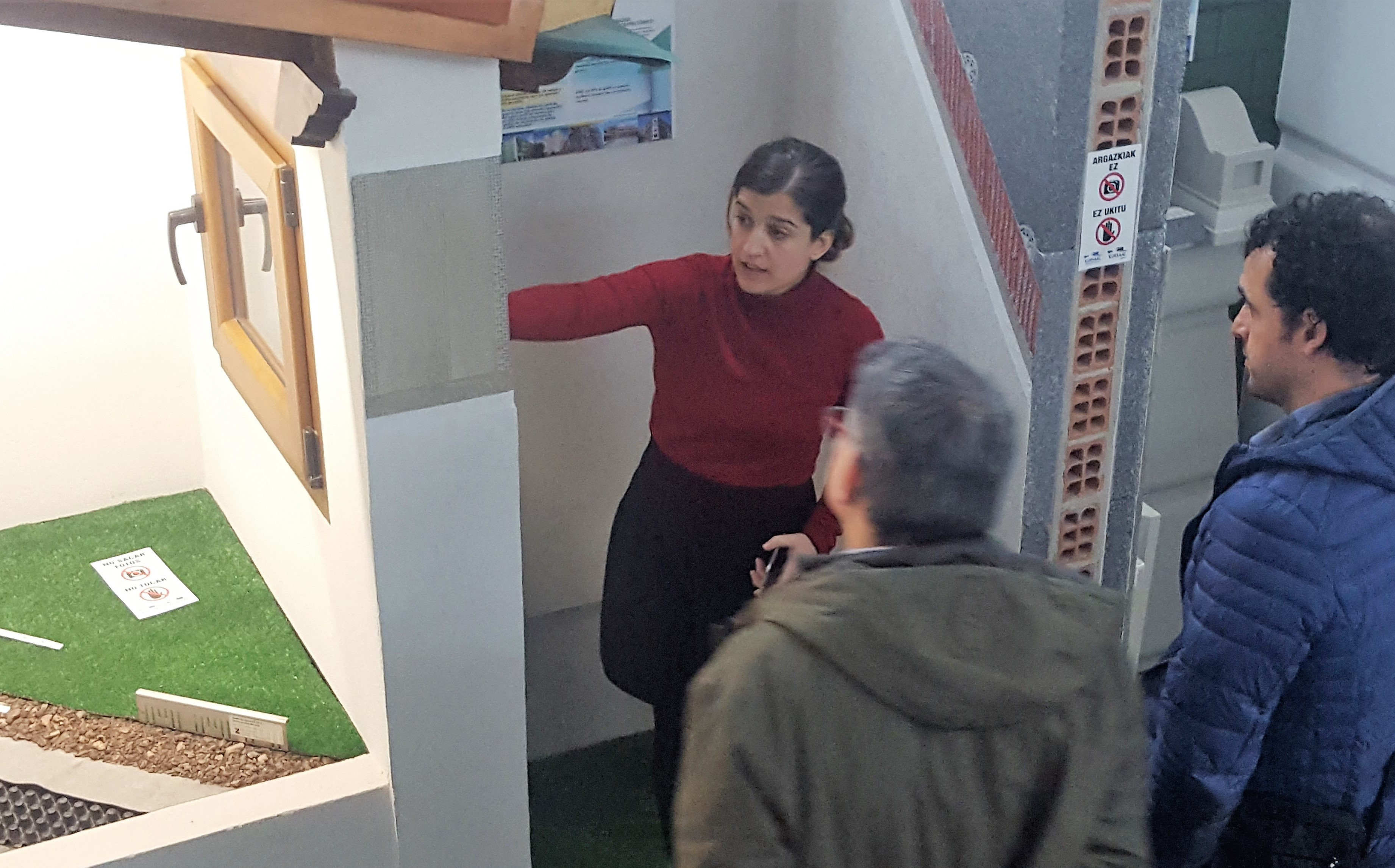 imagen 2 de noticia: tcnicos-de-ayuntamientos-y-diputacin-de-gipuzkoa-visitan-kursaal-green-gela