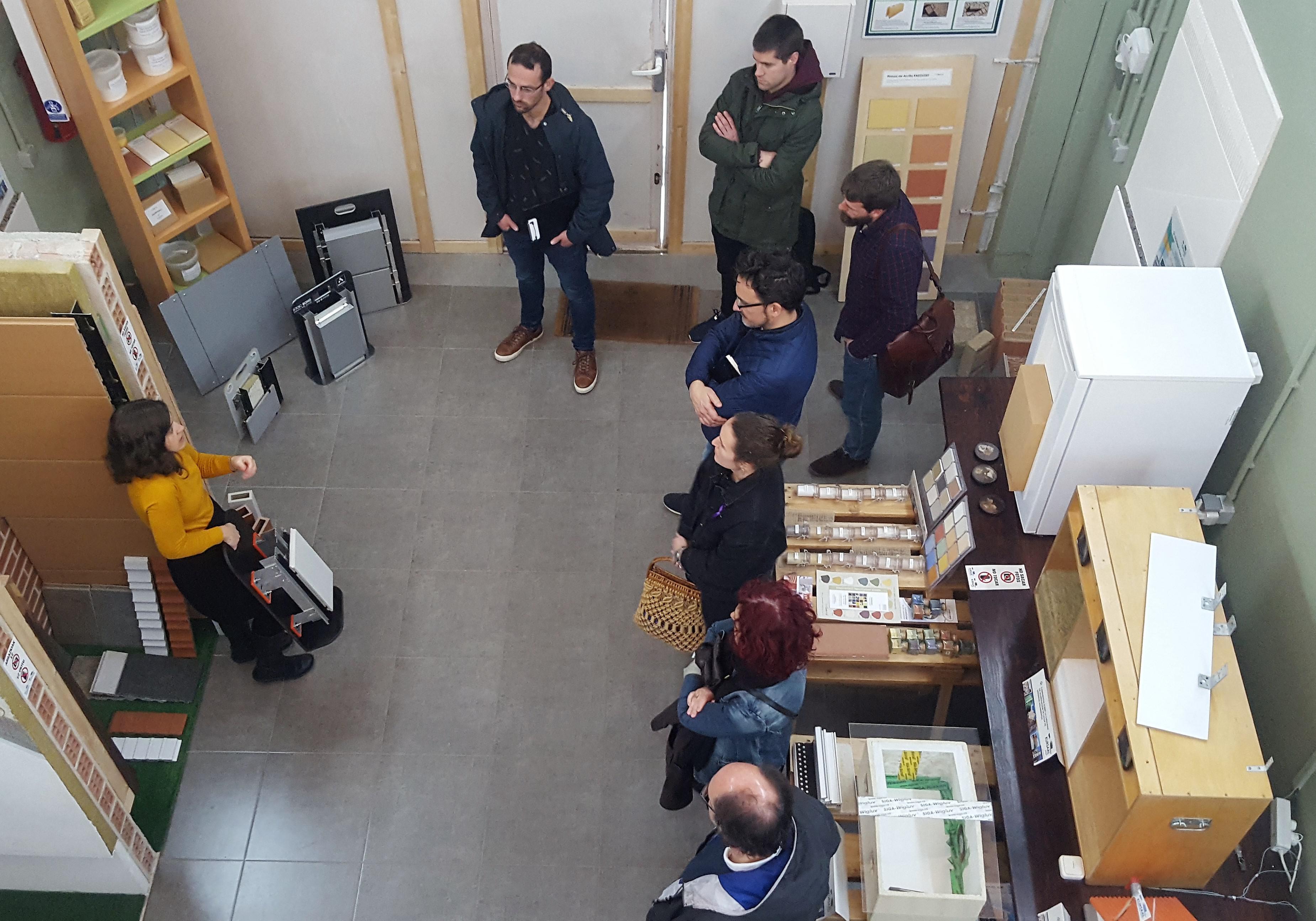 imagen 2 de noticia: arquitectos-y-arquitectos-tcnicos-visitan-kursaal-green-gela