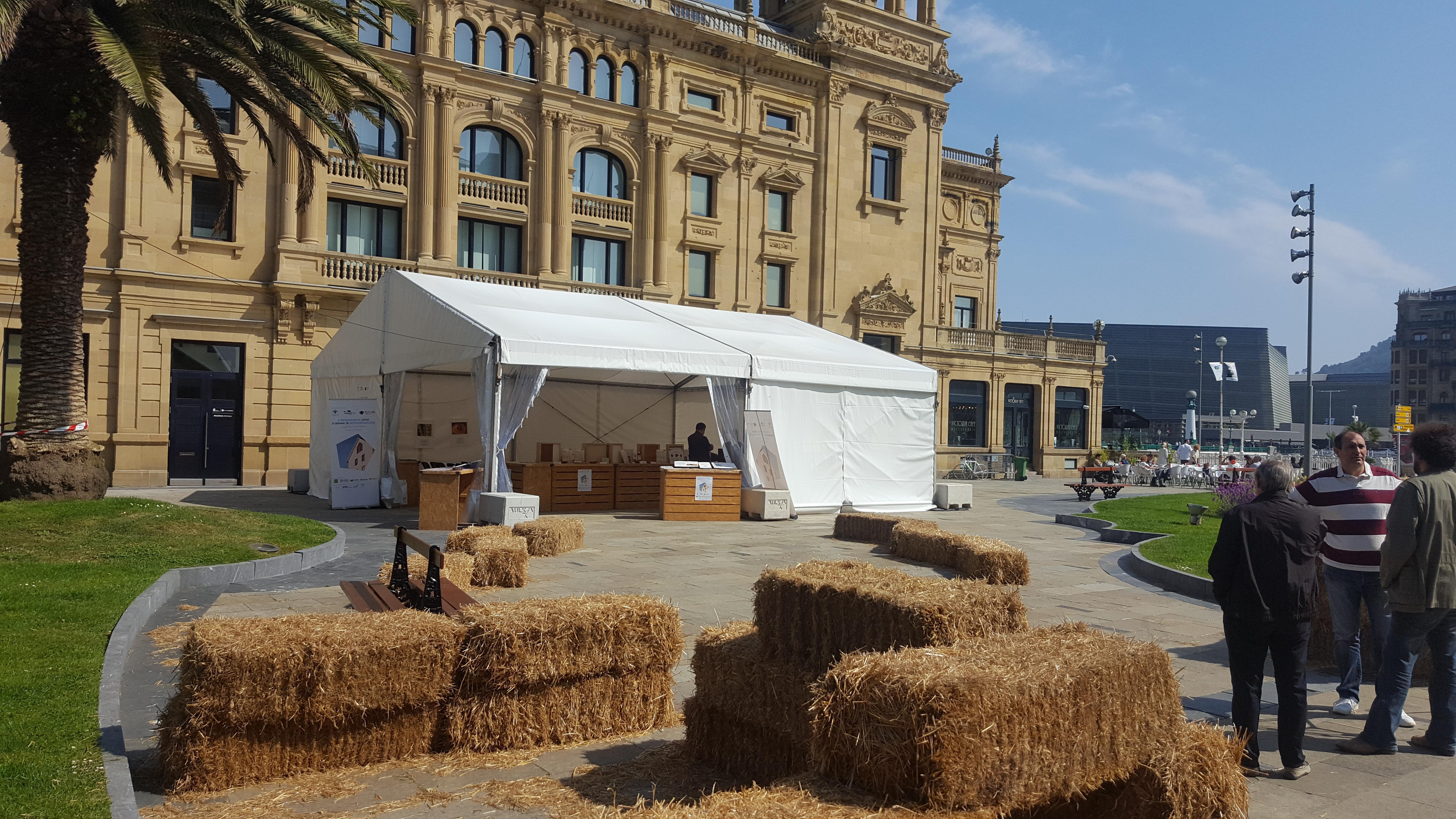 foto noticia: III Semana de la Bioconstrucción para la Ciudadanía organizada por Kursaal Green, Kutxa Ekogunea y Cristina Enea