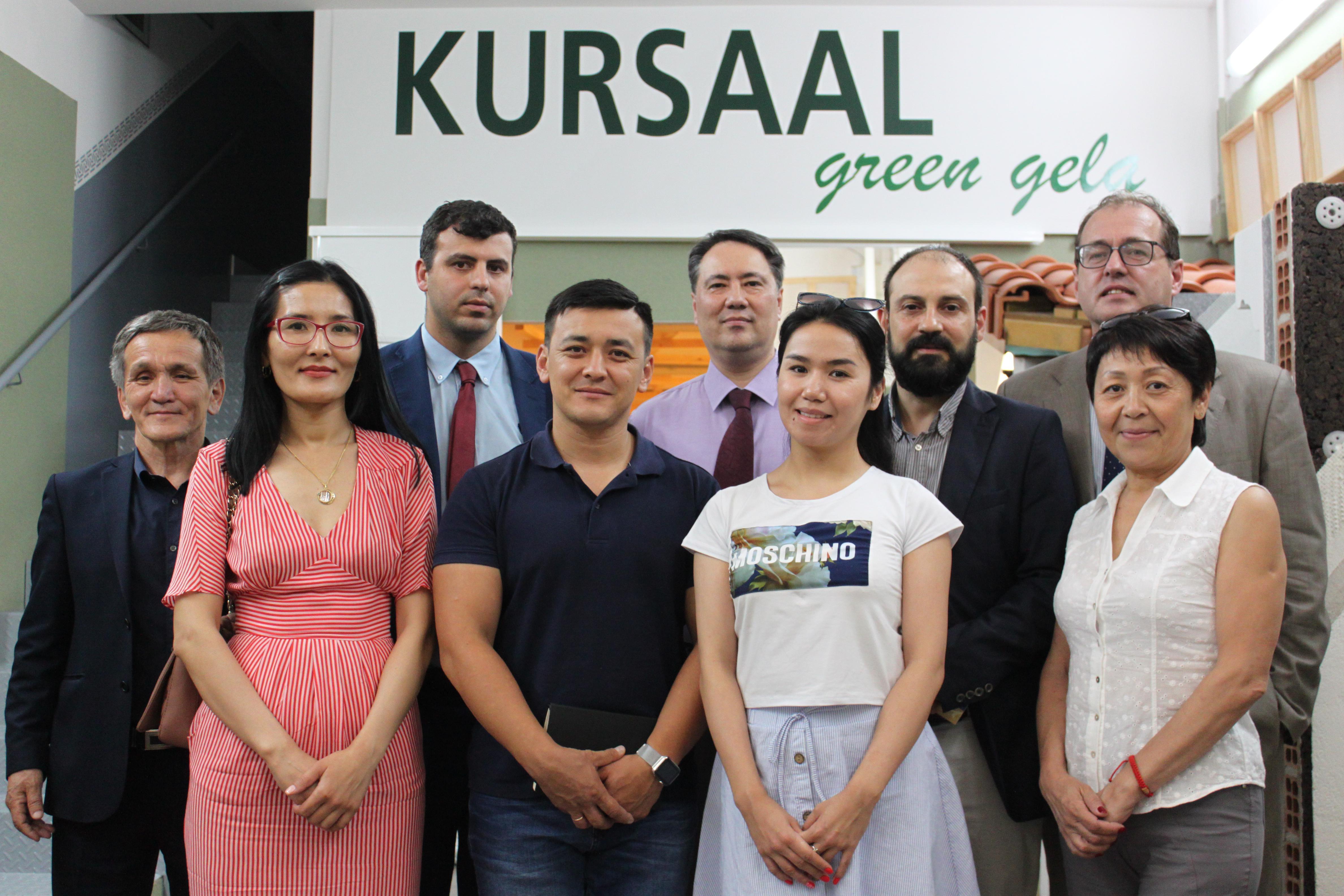 foto noticia: Una delegación de empresas e Instituciones de Kazajistán visitan Kursaal Green Gela