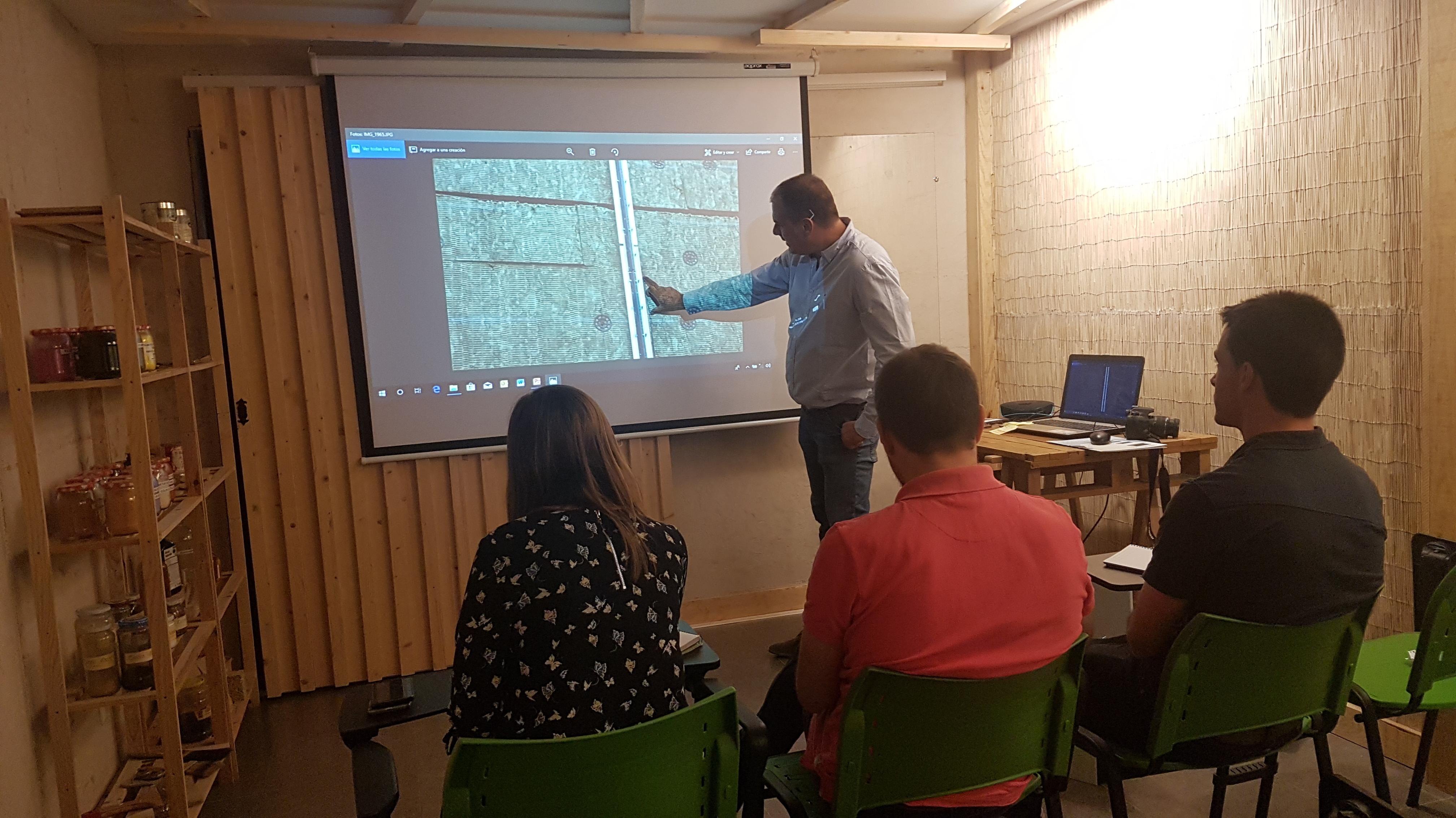 foto noticia: Nuestros técnicos amplían conocimientos en sistemas de Fachada Ventilada