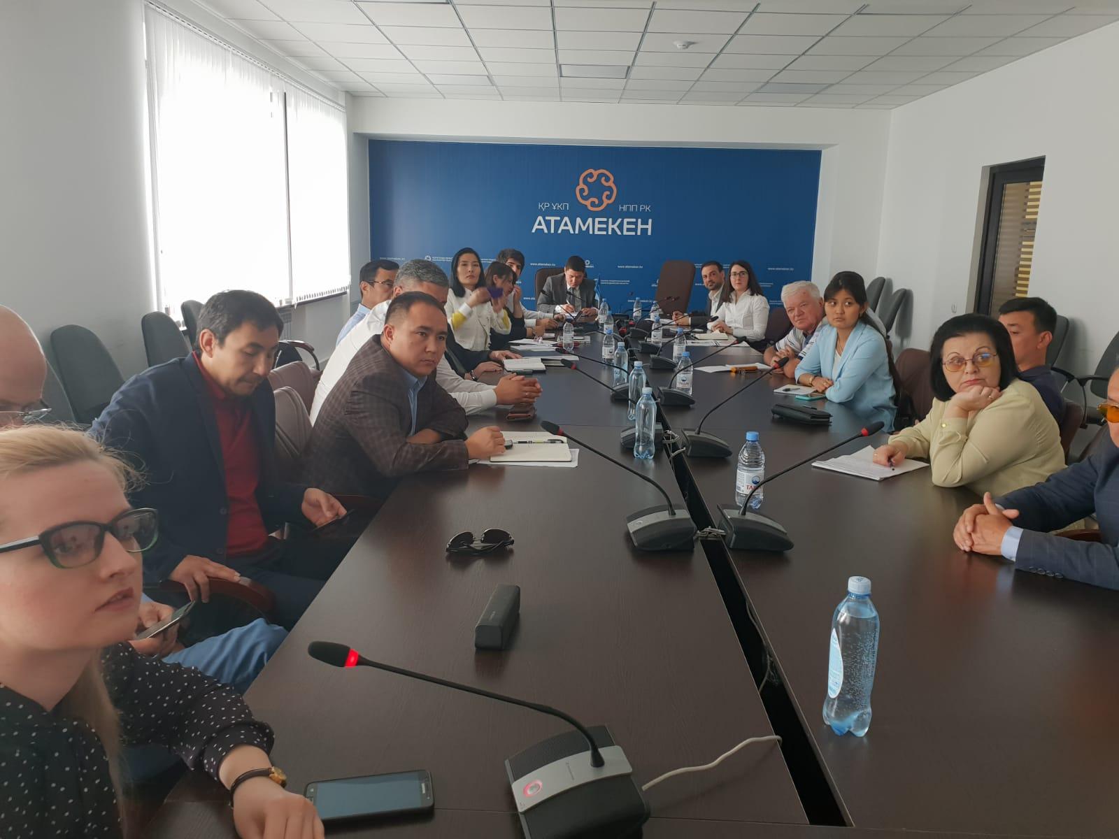 foto noticia: Viajamos a Kazajistán en la misión comercial organizada por Eraikune
