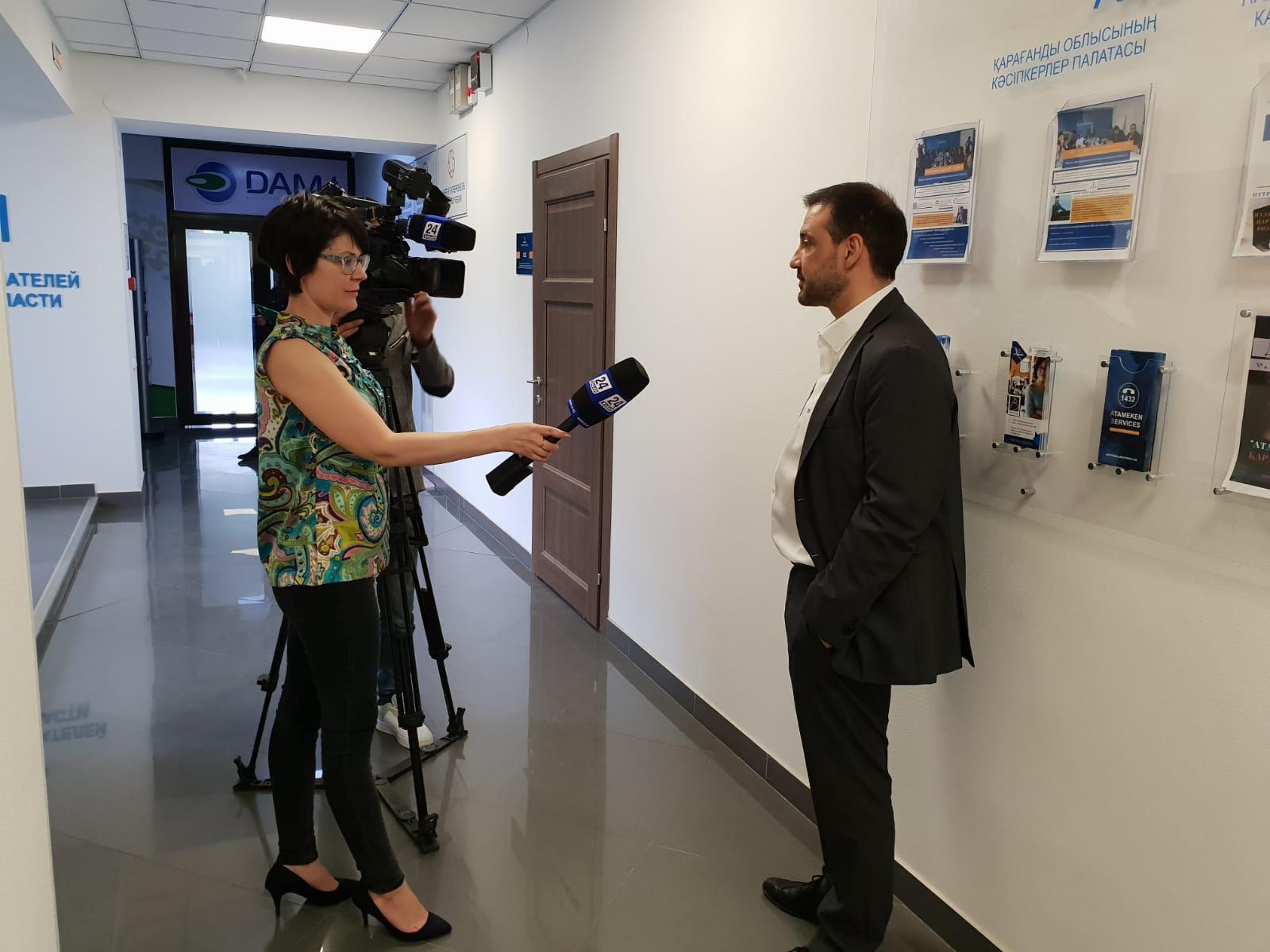 foto noticia: Entrevista a Josu Hernández en la televisión nacional de Kazajistán