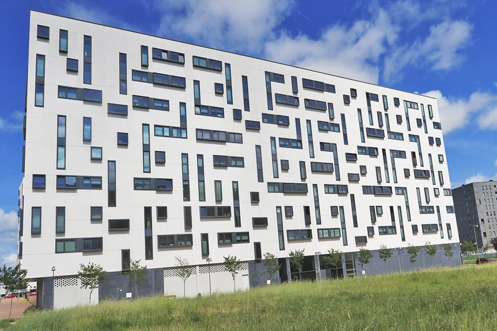 """foto noticia: Kursaal iniciamos los trabajos para realizar 10.000 metros cuadrados de """"SATE sobre SATE"""" en Vitoria"""